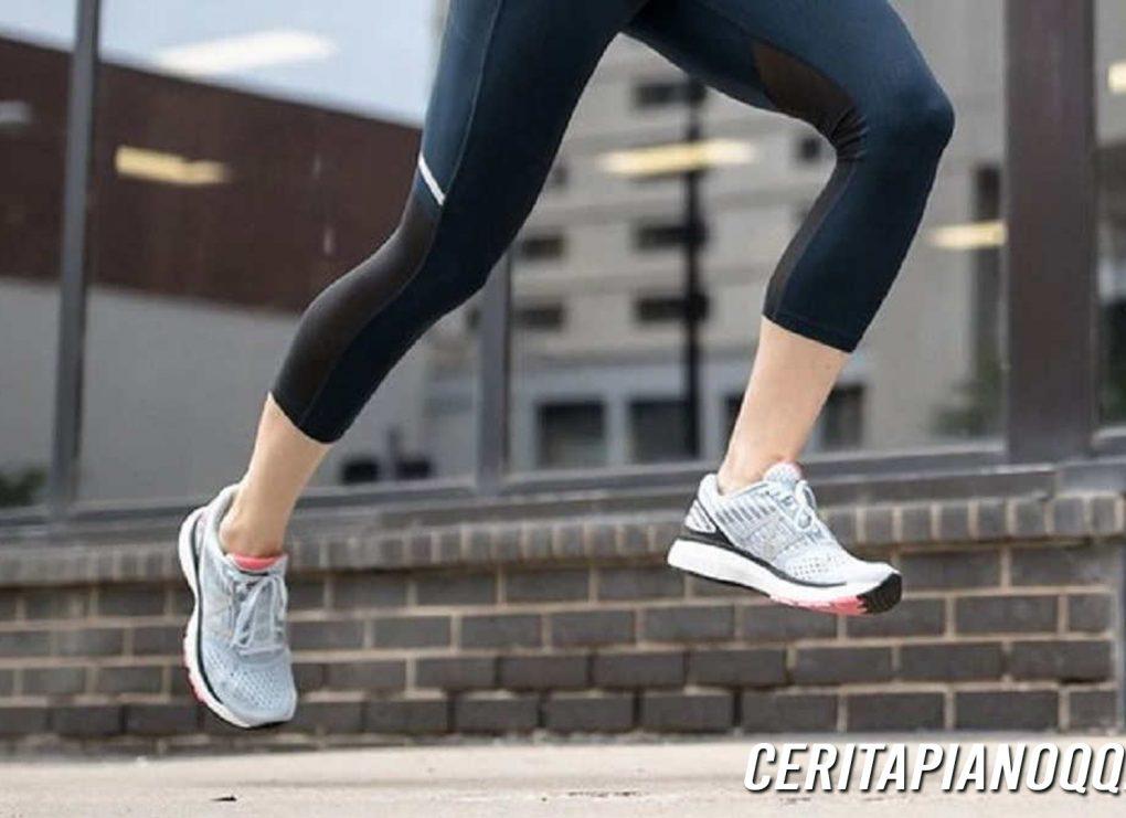 Pilih-Pilih Sepatu Olahraga Ternyata Ada 'Rumusnya', Apa Saja?